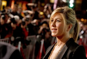 jennifer-aniston024